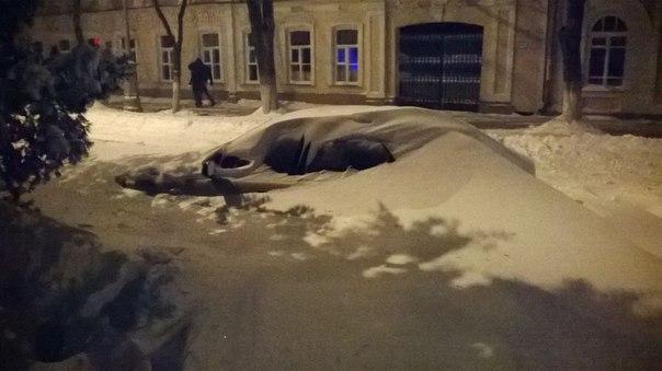 Мэрия Таганрога координирует работу по ликвидации снежных заносов