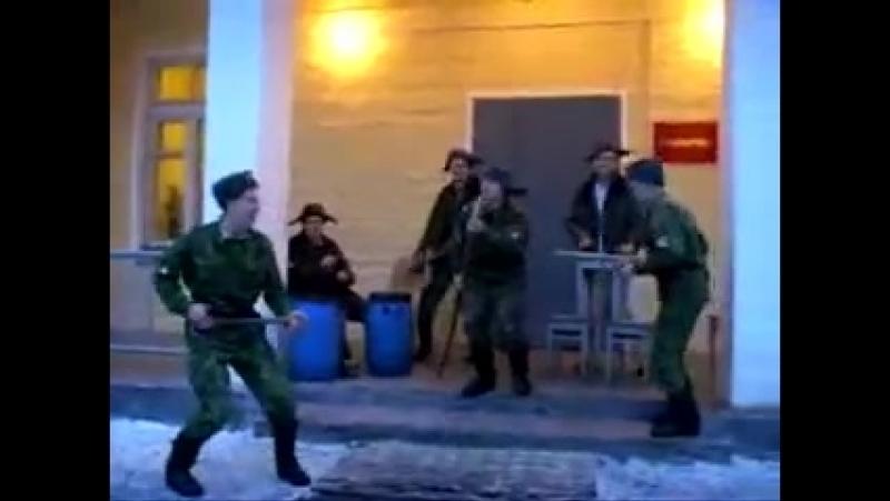 [v-s.mobi]Солдаты Российской армии под фонограмму Руки Вверх Чужие Губы.mp4