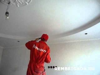 Видео с сайта www.rembrigada.ru покраска потолка из гипсокартона