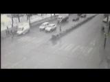 В Москве скорая сбила людей прямо на пешеходном переходе