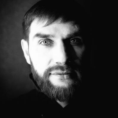 Роман Кухаренко