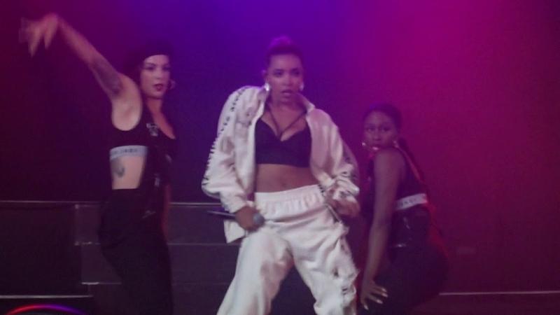 Tinashe - Faded Love: NXNE in Toronto (06/17/2018)