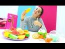 Yemek pişirme ve alış veriş oyunu. Om Nom ile YEMEK YARIŞMASI izle 🍓🍒! Kız çocukvideoları