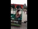 Катается в парке Майковского