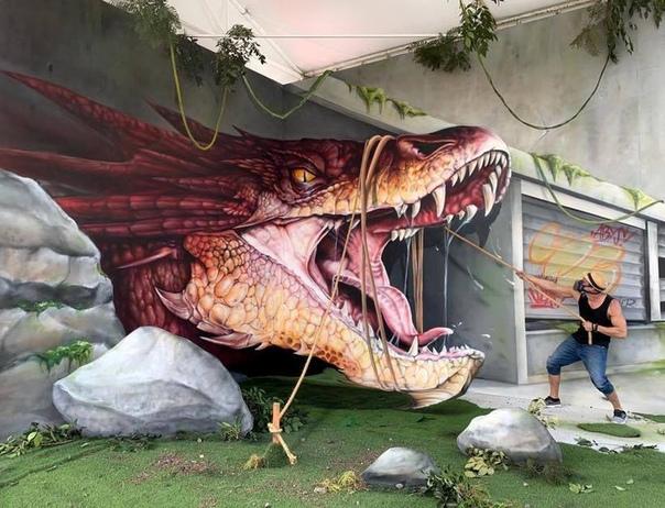 Уличный художник превращает обветшалые стены в невероятные 3D-граффити