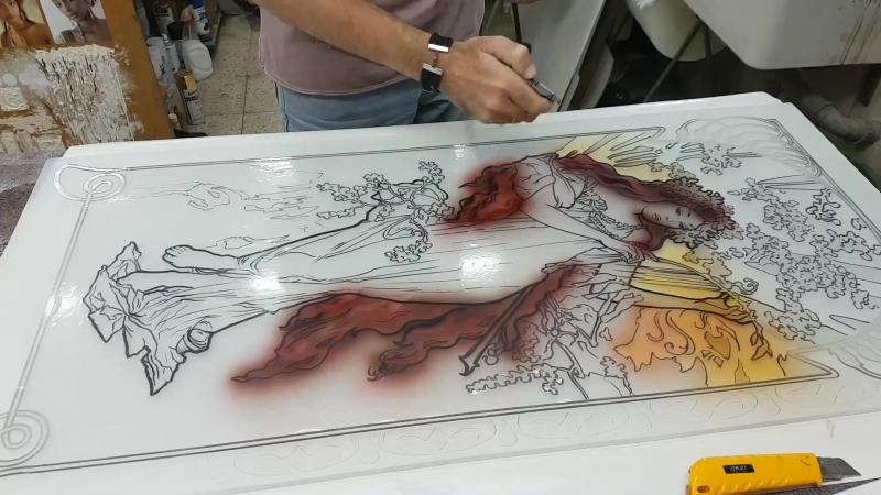 Роспись стекла в витражной технике. (арт нуво Альфонс Муха) с глубоким пескоструем