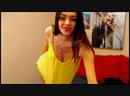 Девушка раздевается и танцует перед веб-камерой 🍓 Сексуальное видео