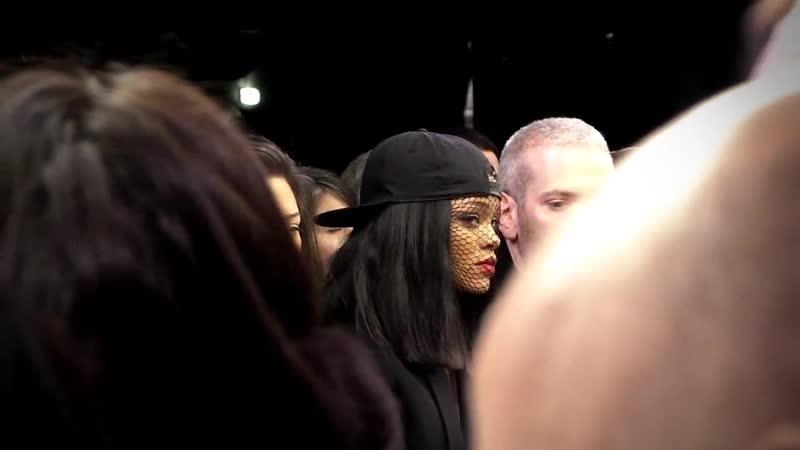 Рианна на показе «Givenchy» (PFW '14, Париж, 02.03.2014)