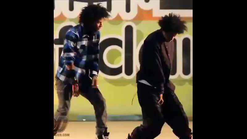 Lewis_christine LES TWINS WORLD OF DANCE 2010 Vallejo WOD | YAK FILMS YT Channel: YAKbattles Music: The Joker By Caleb Mak