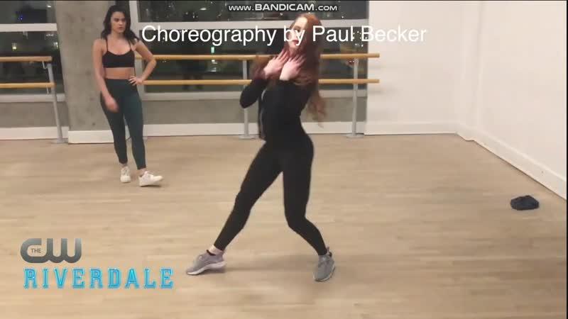 Репетиция танца Камилы и Меделин для десятой серии сериала «Ривердейл».