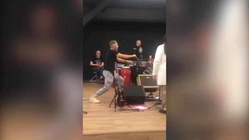Сергей Шнуров с подбитым глазом на репетиции