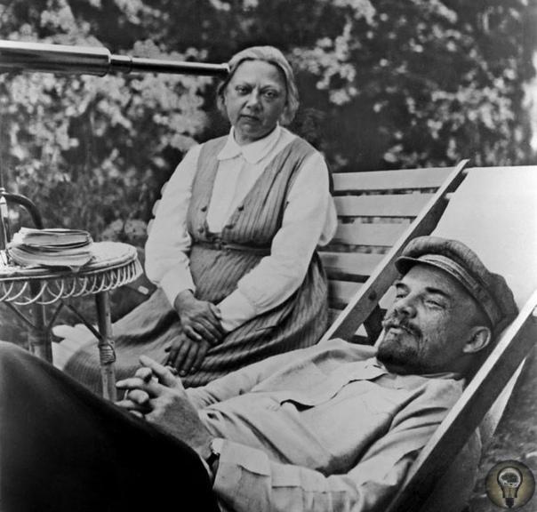 Одна известная жена не менее известного мужа Надежда Константиновна страдала базедовой болезнью. Глаза навыкате сделали и без того несимпатичную Крупскую более устрашающей. К Брежневу в кабинет