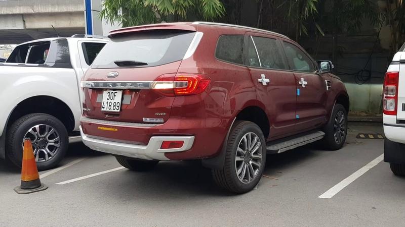 Ford Everest 2019 Màu Đỏ Bản 2 Cầu Biển Số Xe Tuyệt Đẹp