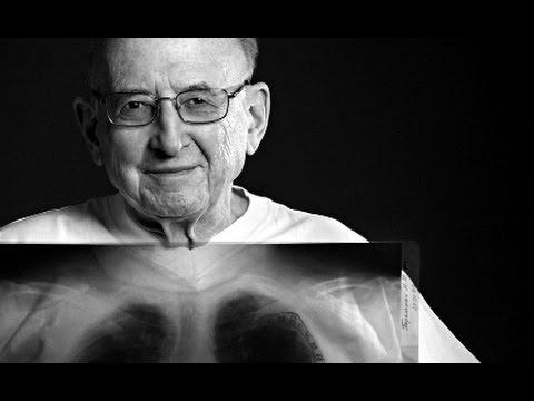 Рак бронха. Академик М.И.Перельман оперирует и комментирует©Cancer of bronchus, operates M.Perelman