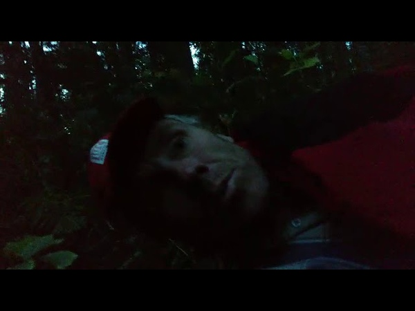 Роман Скурихин блуждает в лесу. www.serovglobus.ru