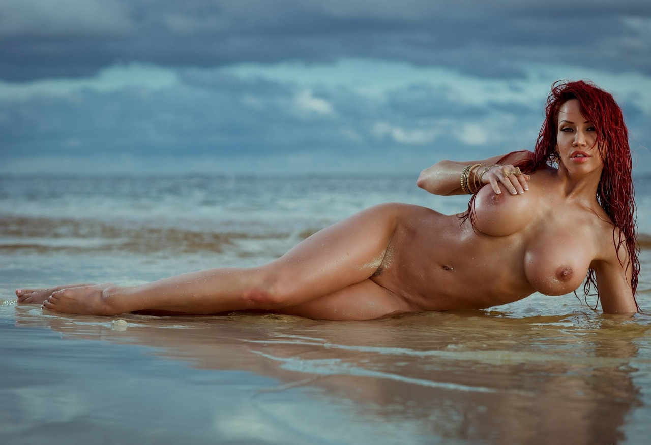 Vannessa hudgens naked pics here