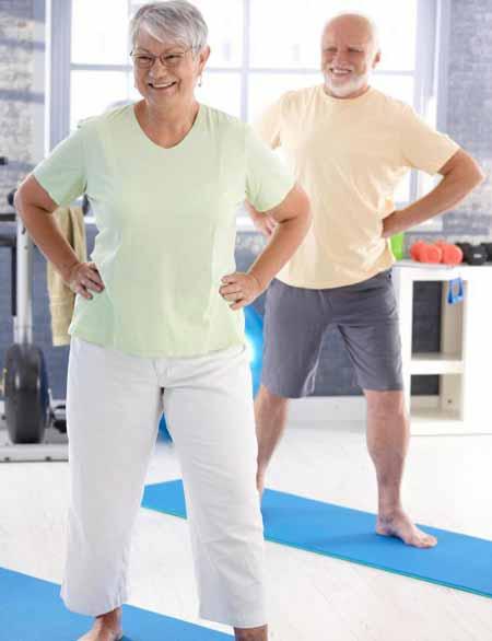 Лечебная физкультура может помочь облегчить боль в суставах у пожилых людей.