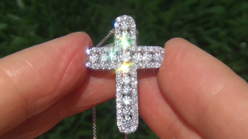 GIA Certified Virtually Flawless VVS Clarity 1.07 Carat Diamond Cross Pendant Set In Sold Gold