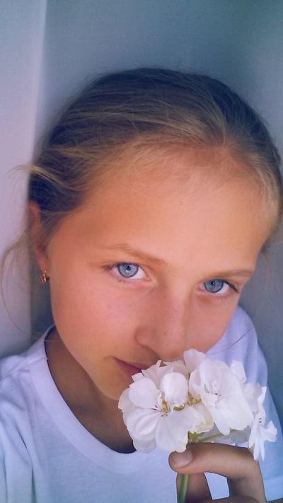 Аня Скрябина, 6 августа 1998, Калининград, id156902858
