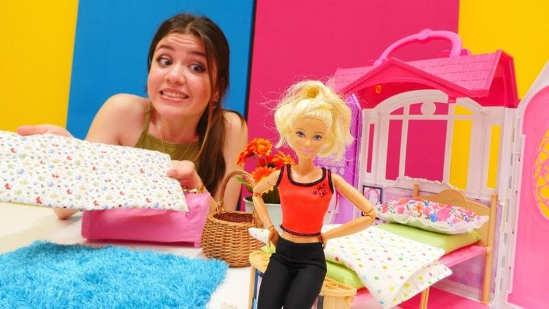Barbieye ortopedik yatak alıyoruz. Oyuncak bebek videosu
