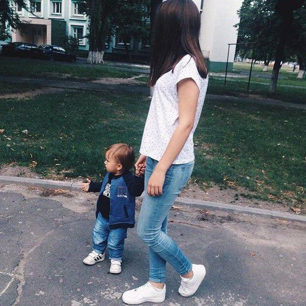 картинки девушка с ребенком на аву