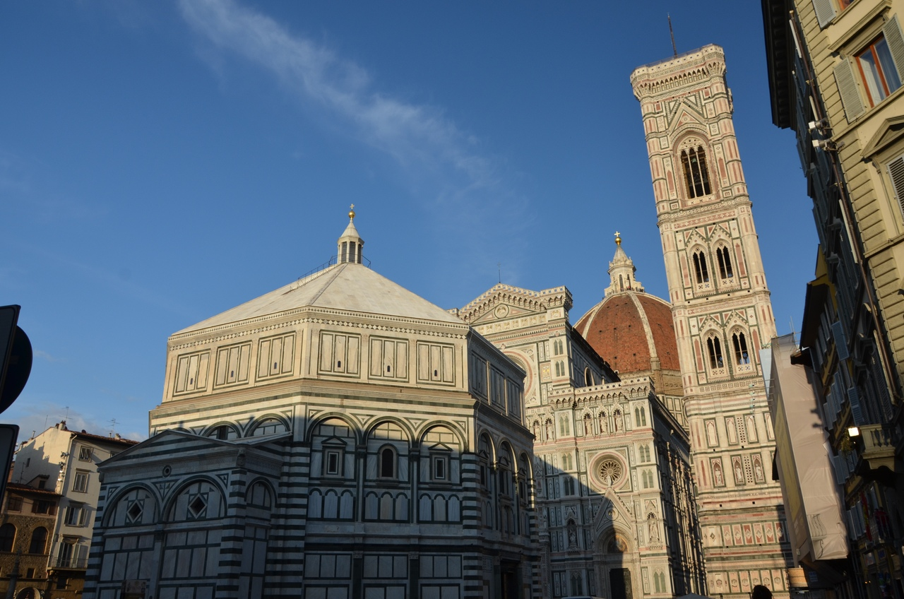 Q2RRNx_uFFQ Кафедральный собор Санта-Мария-дель-Фьоре (La Cattedrale di Santa Maria del Fiore).