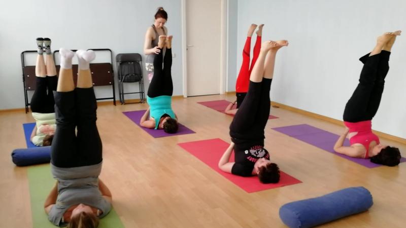 Хатха йога в ФЦ Планета Ариант инструктор Ксения Артюшкова