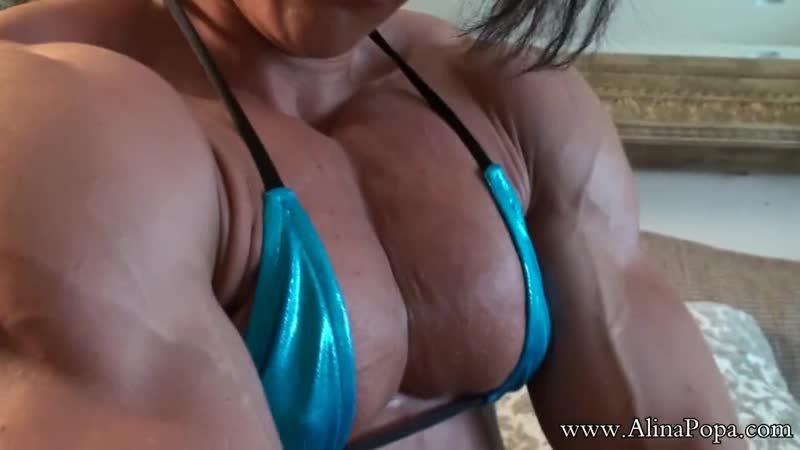 Alina popa-flexing 2