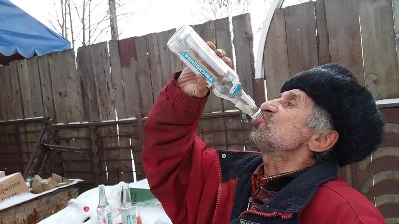 Трохе выпил три бутылки и захмылел vsratiy smehuyoshki