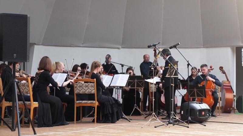 Камерный оркестр В-А-С-Н и Олег Давлет Хан. И.Штраус - Вечное движение