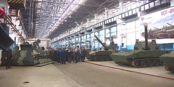 Партию бронетранспортеров подготовит Волгоградский тракторный завод дл