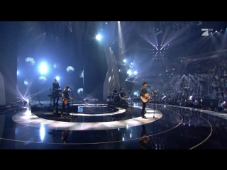 Shawn mendes - there's nothing holdin' me back  in my blood (germany's next topmodel season 13. the final - 2018-05-24)
