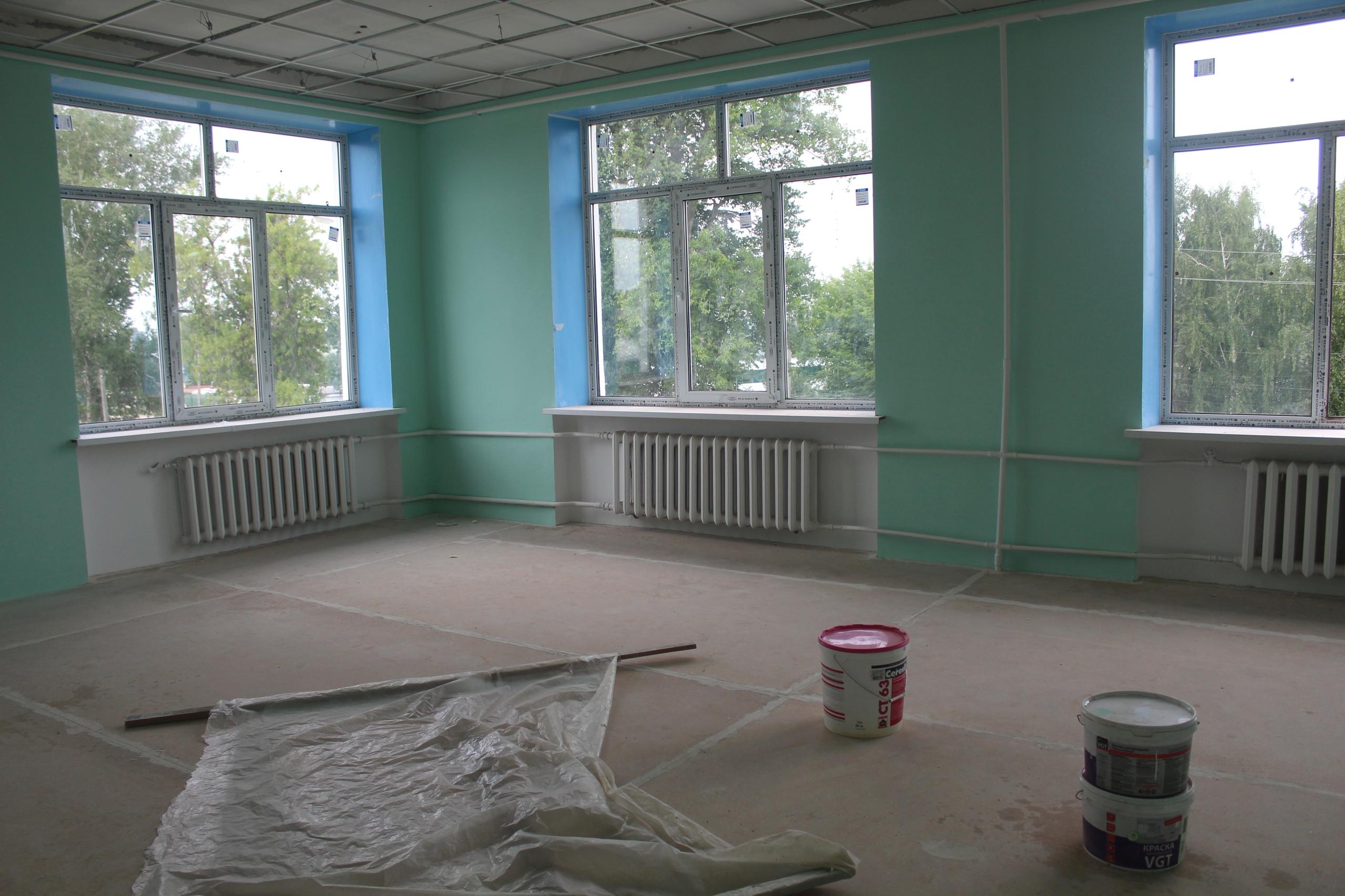 Продолжается капитальный ремонт МБОУ «Средняя общеобразовательная школа №106.