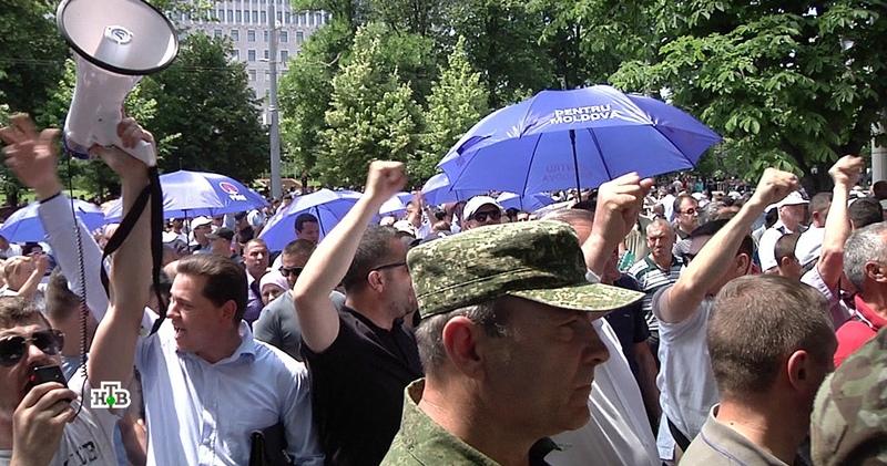 В Молдавии расследуют попытку госпереворота и коррупционные схемы