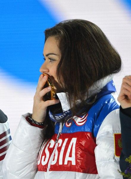 Аделина Сотникова (пресса с апреля 2015) DFVfDZvNbdQ