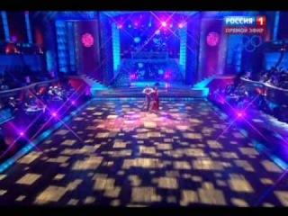 Танцы со звездами. Алена Водонаева и Евгений Папунаишвили. 16.11.2013. Танец 'Новый год'