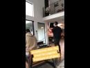 Ник Джонас делающий самую зажигательную импровизацию всех времен на пиглатине