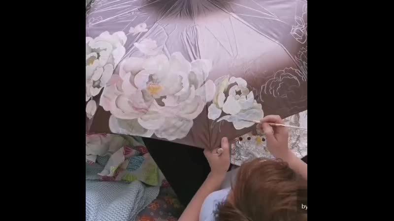 Вы уже понимаете какой крутецкий зонт будет Пионы много много пионов Все друзья я пропала 🙈 Три дня пионового наслажд