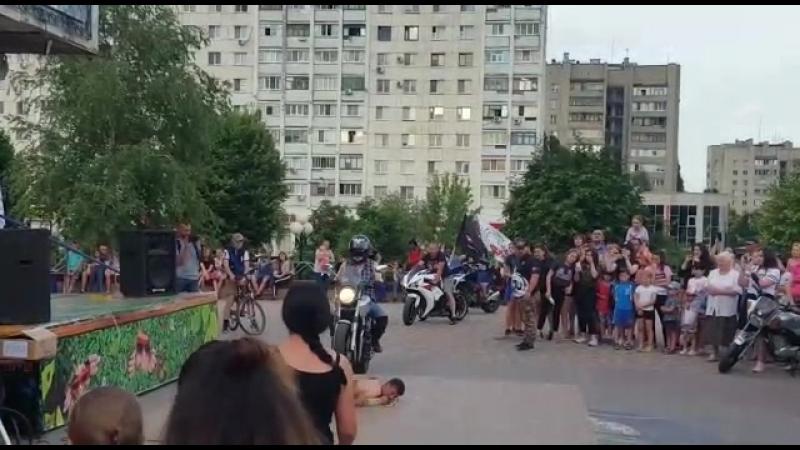 Детский праздник на площадке кинотеатра Русич