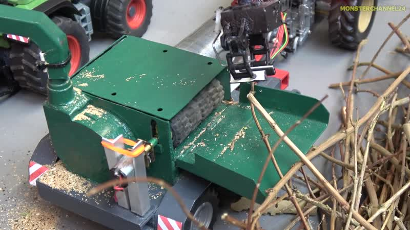 R_⁄C tractor stone crusher and wood chopper in 1_⁄32 scale! Hand made!