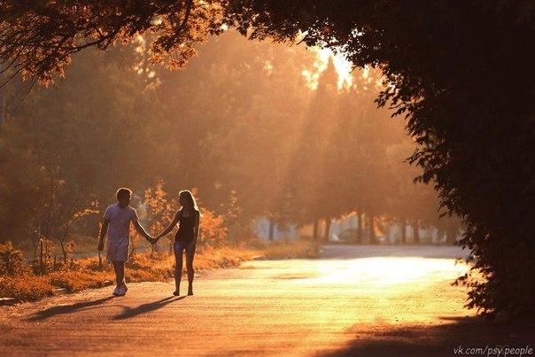 Пусть день начнется с ДОБРОТЫ! Не с суеты, не с маеты, Пусть будет больше ТЕПЛОТЫ! Пусть день начнется с КРАСОТЫ! Пусть день наполнится ДЕЛАМИ! Прибудет новыми ДРУЗЬЯМИ! И важно быть САМОЙ СОБОЙ! Ведь завтра будет ДЕНЬ ДРУГОЙ!