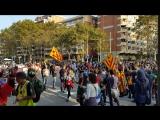 Жители Барселоны благодарят пожарных