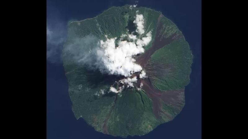 Manam Volcano, Manam Motu of Papua New Guinea is an island in the Bismarck Sea