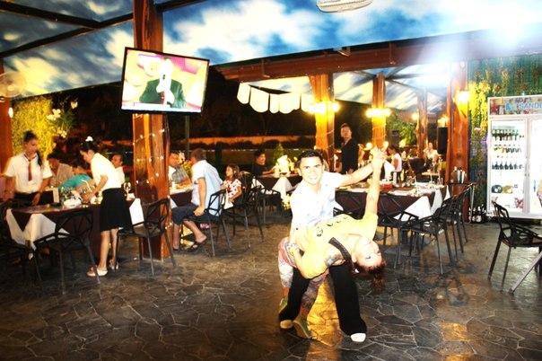 Дожди в Паттайей не помешали традиционной «Сальса – Пати» в ресторане «Столица» в Русском поселке в Таиланде