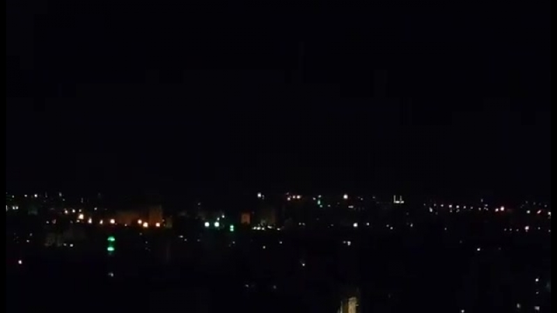 Patrick Henningsen - Video from Damascus Syria of incoming US Cruise Missiles being intercepted by