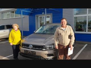 Поздравляем Анатолия Ивановича с приобретением нового Volkswagen Tiguan
