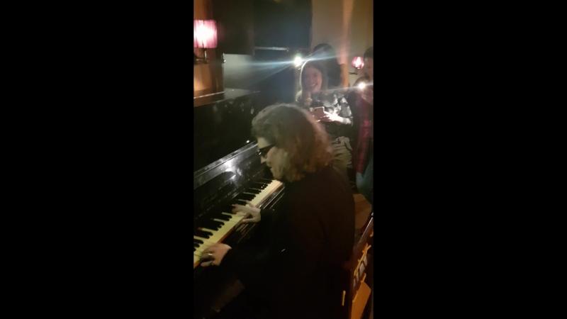 Сергей Галанин сыграл для гостей на фортепиано! Отмечаем 23 февраля!