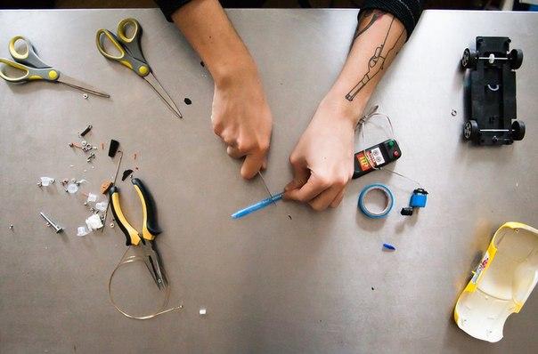 Как сделать декоративный камин своими руками в доме