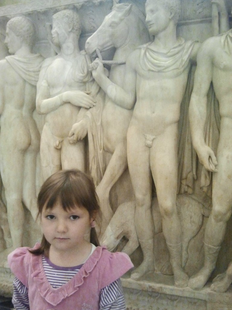 Фото девочка без трусиков 12 фотография