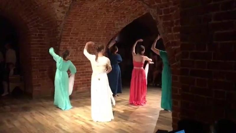 танец Россия в постановке Друг друга храните